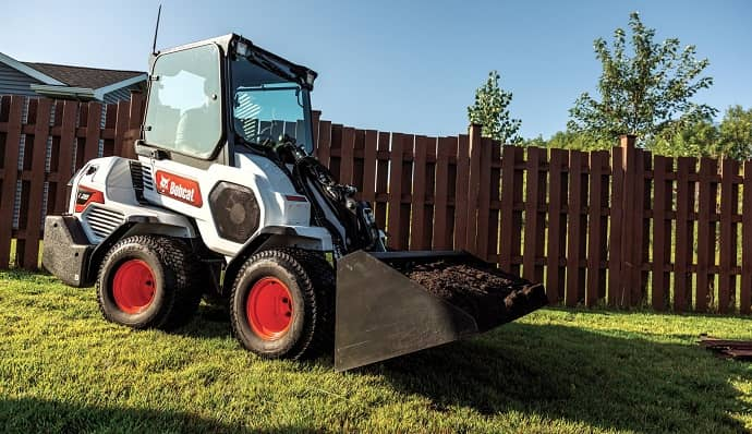 4 Bobcat L28 Small articulated loader