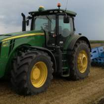 JohnDeere 8270R